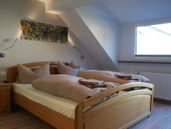 Hier sehen Sie den Schlafbereich des Ferienzimmers.